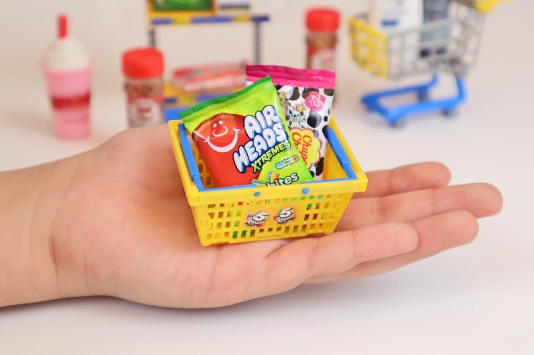 Find Mentos Airheads And Chupa Chups In The 5 Surprise Mini
